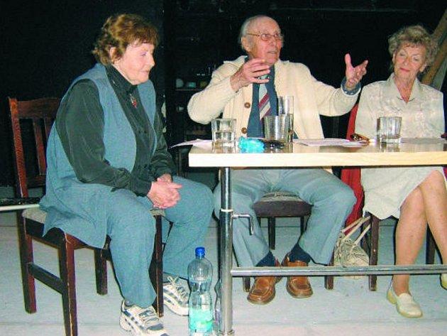Hana Bauerová, Josef Bulík a Dagmar Neumannová v pořadu Jak bejvávalo.