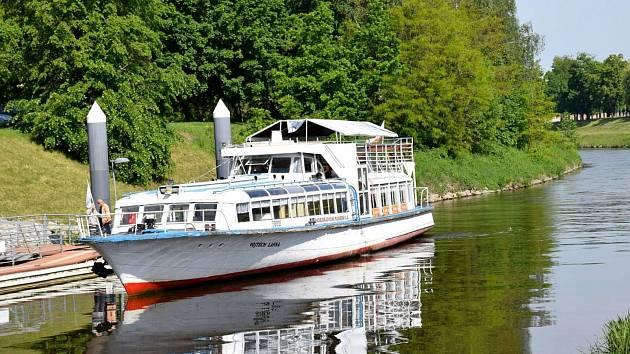 Až do Prahy doplují v budoucnu lodě s výškou nad tři metry. Pomoci má zdvižení mostu v Týně nad Vltavou.