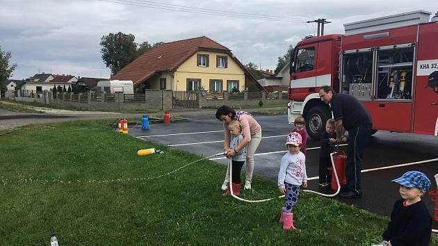 Dopoledne s hasiči