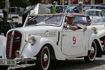 Severem Čech se opět prohnaly historická vozidla v rámci závodu Oldtimer Bohemia rally. Jedna ze zastávek rally byly i Litoměřice.