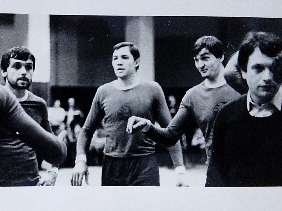 Na snímku zleva Peksa, Valach, Pitner a trenér Scheichl.