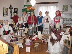 Malé muzeum českých a slovenských krojů můžete navštívit ve vltavotýnské baráčnické rychtě.
