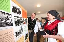 V deset  hodin byla otevřená výstava místních tradic na obecním úřadě, kterou mohou návštěvníci navštívit zdarma. V jedenáct hodin začala v doudlebském kostele mše, v jednu hodinu předváděla vedoucí dětského folklórního souboru Mirka Dušáková zdobení kras