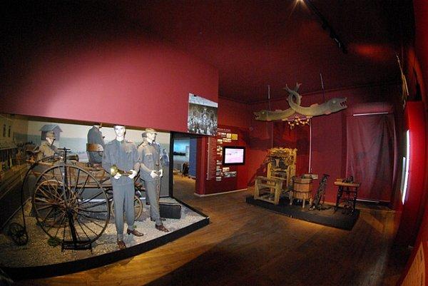 Jak vypadalo vltavotýnské nádraží a vývěsní štít kupeckého krámu přiblíží expozice vsálu 19.a 20.století.