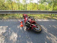 Těžkým zraněním skončila nehoda motorkáře na Yamaze mezi Pískem a Táborem.