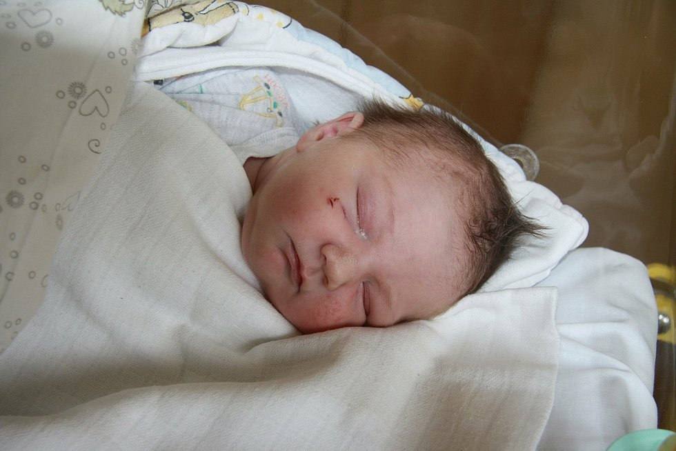 Jan Gála z Prachatic. Jaroslava Kolmanová a Jan Gála se stali rodiči syna, který se narodil 10. 5. 2021 ve 12.45 hodin. Při příchodu na svět vážil 3930 g.