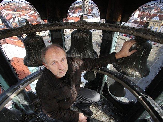 Jan Michl z oddělení správy radnice.