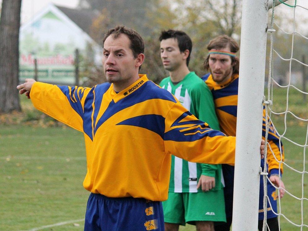 Fotbalisté Neplachova remizovali s Boršovem (pruhované dresy) 4:4.
