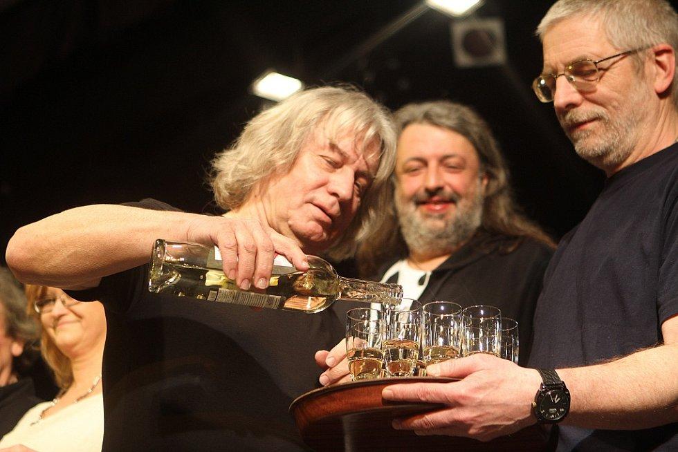 Pavel Žalman Lohonka měl 23. března koncert ke svým 70. narozeninám v českobudějovickém Metropolu. Pokřtil i nové CD Cestující muž.