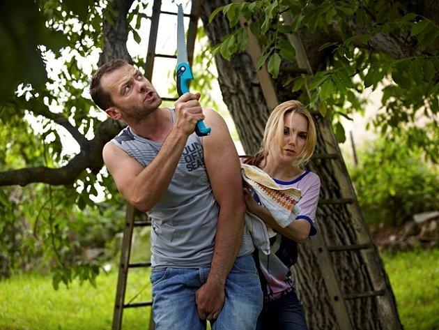 Záběr z komedie Zdeňka Trošky Babovřesky.