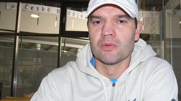 Trenér juniorů Motoru Martin Štrba.
