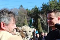 Ondřej Veselý se pochlubil, že má také doma lva - svého půlročního syna narozeného v tomto znamení.