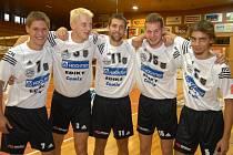 Pražák, Mach, Motys, Pitner a Emmer představují mladší polovičku týmu Jihostroje.  Všichni už si za EGE zahráli.