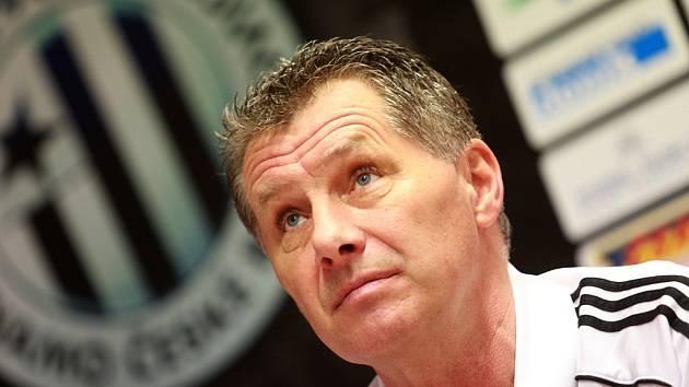 O zimní přípravě i pátečním zápase Dynama s Hradcem na předjarní tiskovce hovořil trenér Luboš Urban.