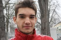 Nadějný stoper Mikuláš Jáša se zimní přípravy v áčku Dynama nebojí.