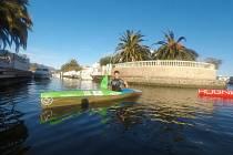ANTONÍN HALEŠ popisuje Empuriabravu jako velký umělý přístav, ve kterém najdete místo ulic vodní kanály. V zimě je ideálním místem pro trénink.