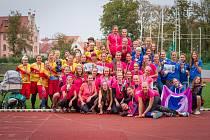 Nejlepší tři týmy Mistrovství České republiky ve frisbee 2017. V růžových dresech vítězky z českobudějovického týmu Sokol 3SB.