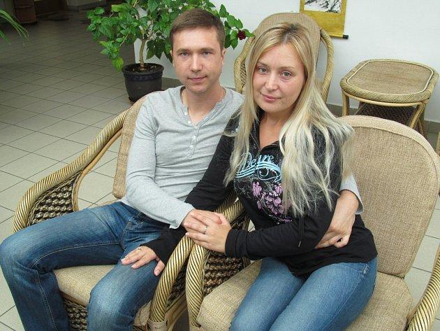 Mezi dalšími krajany z Ukrajiny, kteří přijeli do Červené nad Vltavou v minulých dvou týdnech, je i Maryna a Artem Prokopenko. Nový domov si chtějí najít u Prahy.