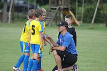 Bohumír Češka trénuje děti
