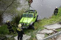 Jeep řízený ženou v pátek ráno havaroval v centru Vyššího Brodu. Řidičce se naštěstí nic nestalo.