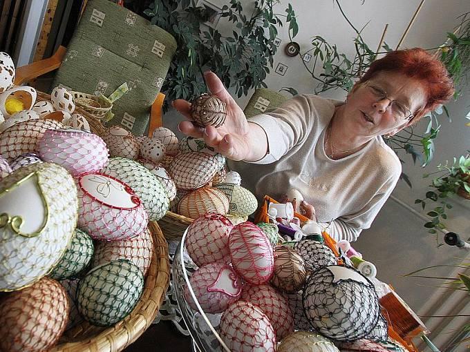 Drátěná a děrovaná vejce z Branic