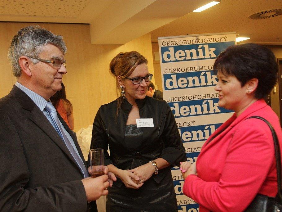 Na slavnostní večer dorazil ředitel Jihočeské hospodářské komory Luděk Keist s kolegyní Lenkou Vohradníkovou a Danou Štegerovou z firmy táborské firmy Brisk.