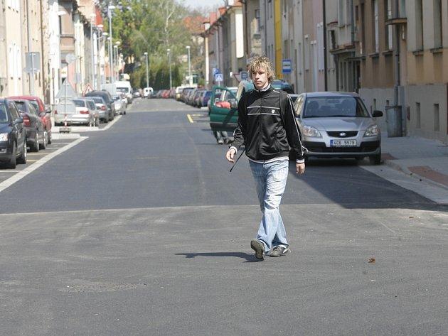 Do konce měsíce bude ukončena třetí etapa rekonstrukce Dukelské ulice v Českých Budějovicích.