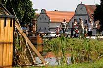 Historická náves vesnice Holašovice, zapsané v seznamu UNESCO, přivítala o víkendu tisíce návštěvníků na jedenáctém ročníku tradičních Selských slavností. Lidem se zde například předvedlo více než dvě stě třicet řemeslníků ze všech koutů České republiky.