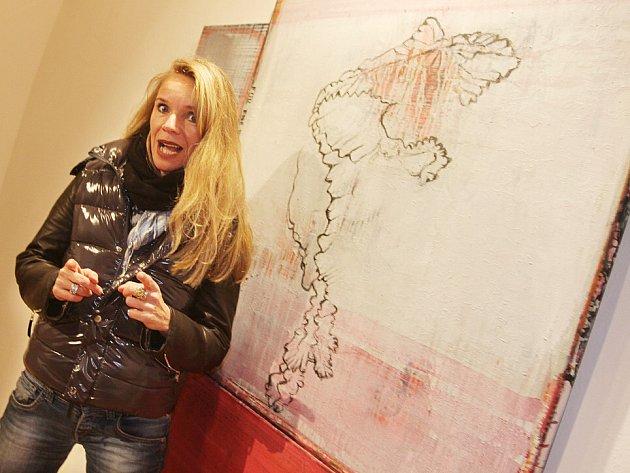 V Berlíně žije a tvoří Katharina Schnitzler (*1963), která do 31. května vystavuje svá díla, inspirovaná magií jihočeské krajiny, v jindřichohradecké zámecké galerii. Její výstava má název Laboratoř lži. Originální malířka má za sebou již kolem 50 výstav.