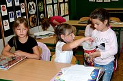 První školní den v ZŠ Trhové Sviny, kde otevřeli tři první třídy.