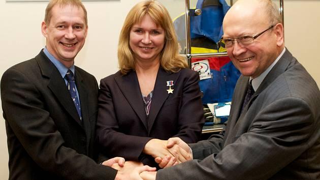 Vladimír Remek (vpravo) by rád do kosmu.