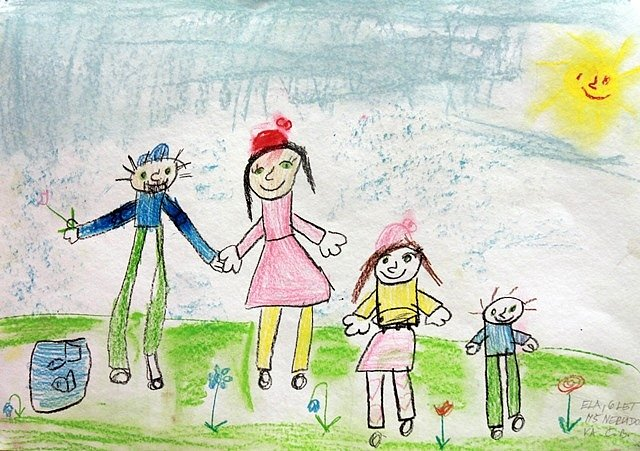 Výstava dětských obrázků k Národnímu týdnu manželství.