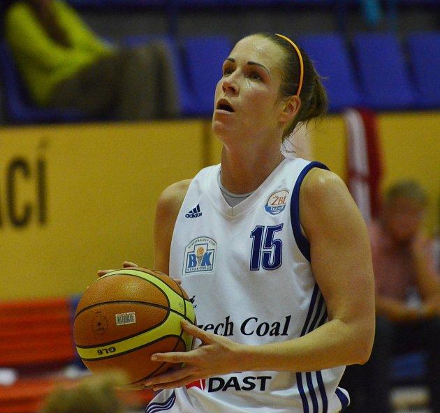 KAPITÁNKA. Zuzana Mračnová je po Američance Porter nejvytíženější hráčkou basketbalových Strakonic. Za zápas odehraje v průměru 32.9 minut z celkových čtyřiceti.
