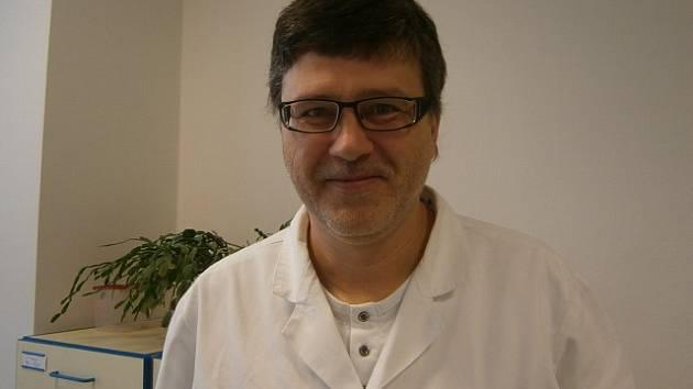 Onkolog Eduard Hájek.