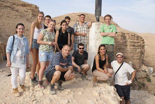 Pavel Sekyrka se studenty vIzraeli.