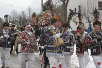 V Dobrkovské Lhotce úzkostlivě dbají na udržení masopustních zvyků, které se tu předávají z generace na generaci od nepaměti.