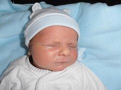Jiří Vrážel poprvé pohlédl na tento svět v sobotu 3. listopadu 2012 ve 21 hodin a 30 minut. Po narození vážil 4,13 kilogramů a měřil 53 centimetrů. Rodiče Barbora a Jiří Vráželovi budou synka vychovávat v Budějovicích.