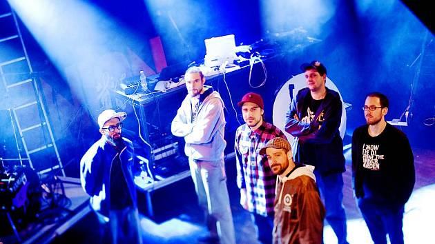 V doprovodném programu přehlídky Šrámkův Písek zahraje v sobotu skupina Prago Union, letošní držitel ceny Anděl v kategorii hip hop.