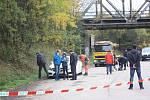 V bílém mercedesu na odstavném parkovišti u silnice E55 nedaleko Ševětína našli zraněného muže. Případ vyšetřují policisté.