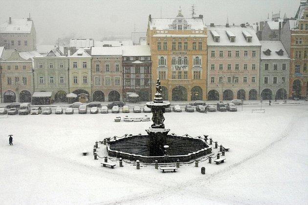 První prosincový den se představil v ostrém zimním hávu. Sněžilo občas tak, že nebylo vidět na krok.