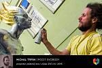 Sochařská výstava Umění ve městě začala v Českých Budějovicích. Na snímku Michal Trpák a jeho dílo Pocit svobody.
