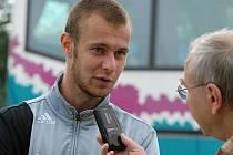 Tomáš Stráský po zápase juniorky Dynama s Chomutovem odpovídá na dotazy Deníku.