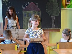 Školáci Základní školy v Boršově nad Vltavou si v příštím školním roce užijí dvě nové učebny - jazykovou a počítačovou.