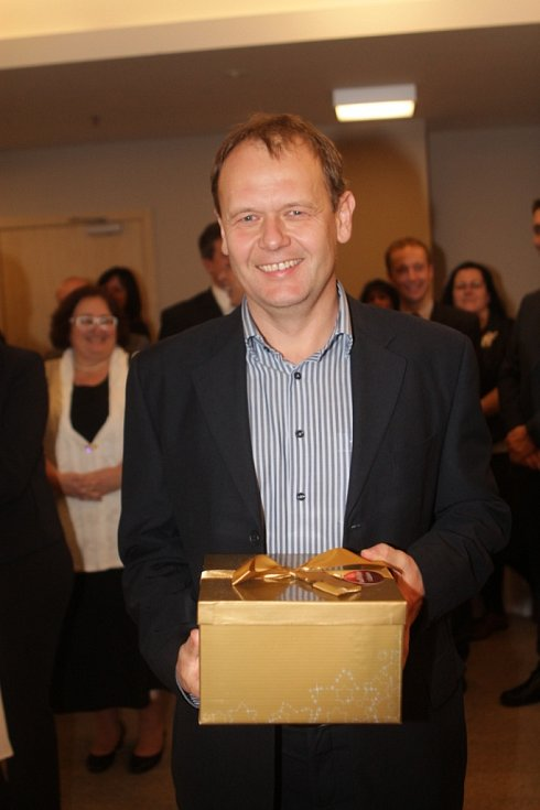 Slavnostní večer k ukončení třetího ročníku projektu Chováme se odpovědně. Na snímku ředitel Služeb města Jindřichův Hradec Ivo Ježek.