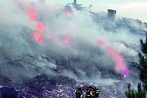 Několik dnů hořela loni od 16. září lišovská skládka (na snímku) komunálního odpadu. Zahoření se v minulém roce objevilo na skládce firmy .A.S.A. v Lišově a také v Růžově, který spravuje konkurenční svozová společnost.
