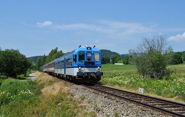 Spolek Vltavotýnská lokálka se stará o nostalgické jízdy na trati Číčenice - Temelín - Týn nad Vltavou.