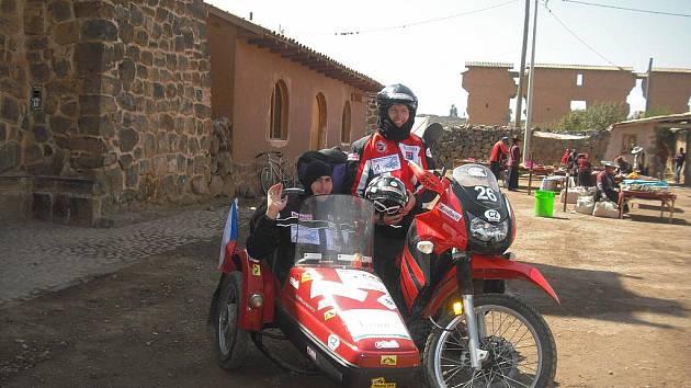Cestovatelé Radek Kriegler a Ondřej Veselý při své cestě Jižní Amerikou.