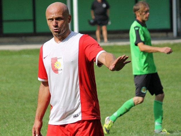 Hrající trenér Olešníka B - Temelína Zdeněk Hrdina.