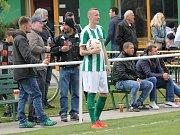 Roudenští fotbalisté si v pátek doma předehráli utkání s Aritmou Praha a zvítězili v něm 3:0. Po třech porážkách opět bodovali v divizi naplno, na jaře ze šesti zápasů dvakrát vyhráli a čtyřikrát vyšli naprázdno.  .