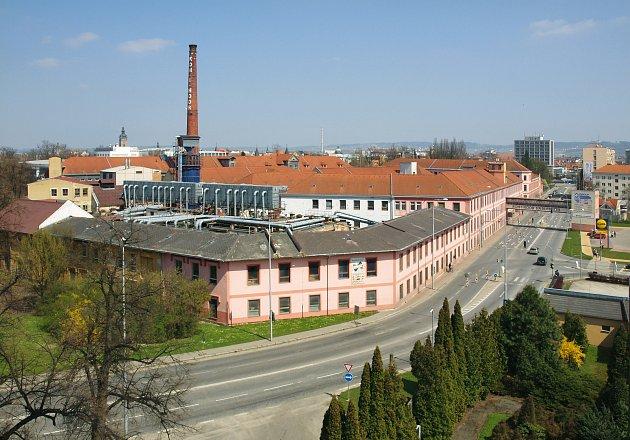 Nejstarší komín se nachází vareálu původní továrny Koh-i-noor Hardtmuth.